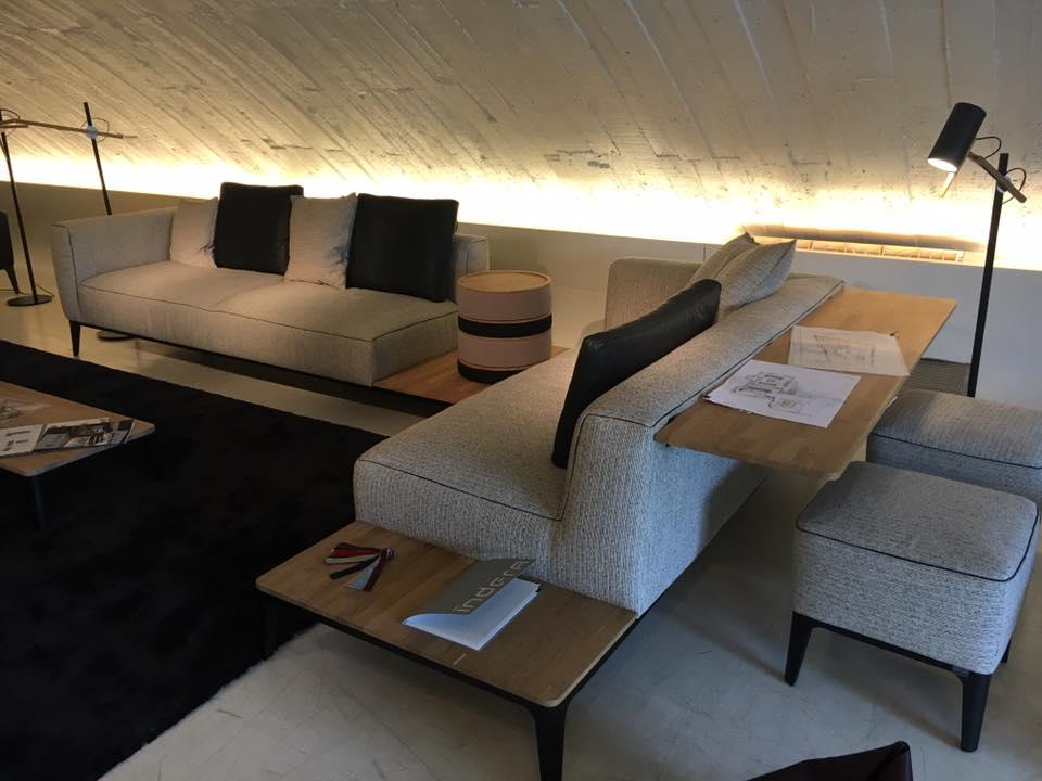 Visite de l 39 usine de fabrication de canap s et 2 show for Fabrication d un canape