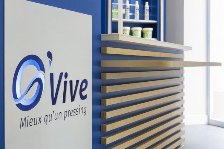 Conception banque accueil par Florence Vatelot, Décoratrice UFDI à St Malo, Dinan, Dinard et Cancale (22 et 35)