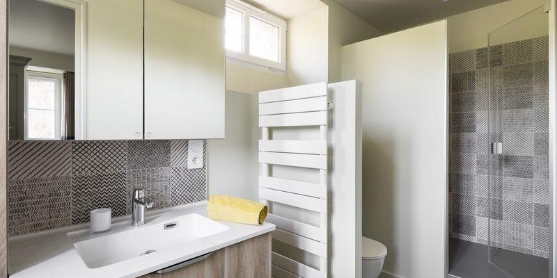 Rénovation d'une salle de bain à Dinard, par Florence Vatelot, Décoratrice UFDI à St Malo, Dinan, Dinard et Cancale (22)