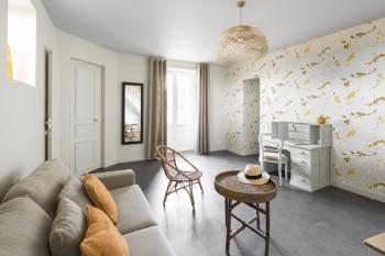 Décoration d'une suite parentale par Florence Vatelot, Décoratrice UFDI à St Malo, Dinan, Dinard et Cancale (22) : détail du petit salon.