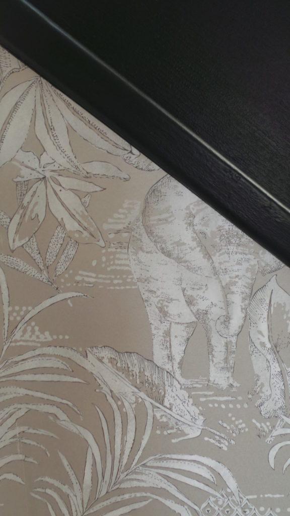 Conseils couleurs séjour à Saint Malo, par Florence Vatelot, Décoratrice UFDI à St Malo, Dinan, Dinard et Cancale (22) : papier peint éléphant st malo